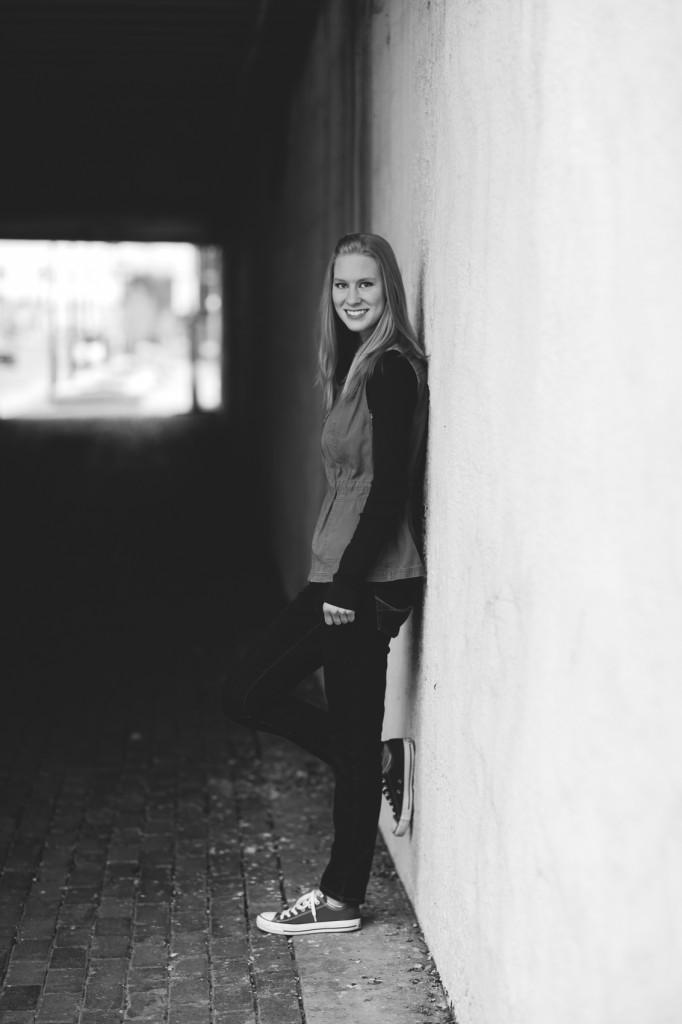 HannahSenior2016-22
